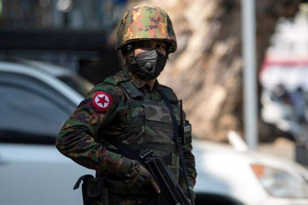 В Мьянме потерпел крушение военный самолет – СМИ