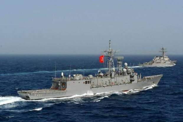 В Турции заявили, что поддержат Украину с моря в случае конфликта с Россией