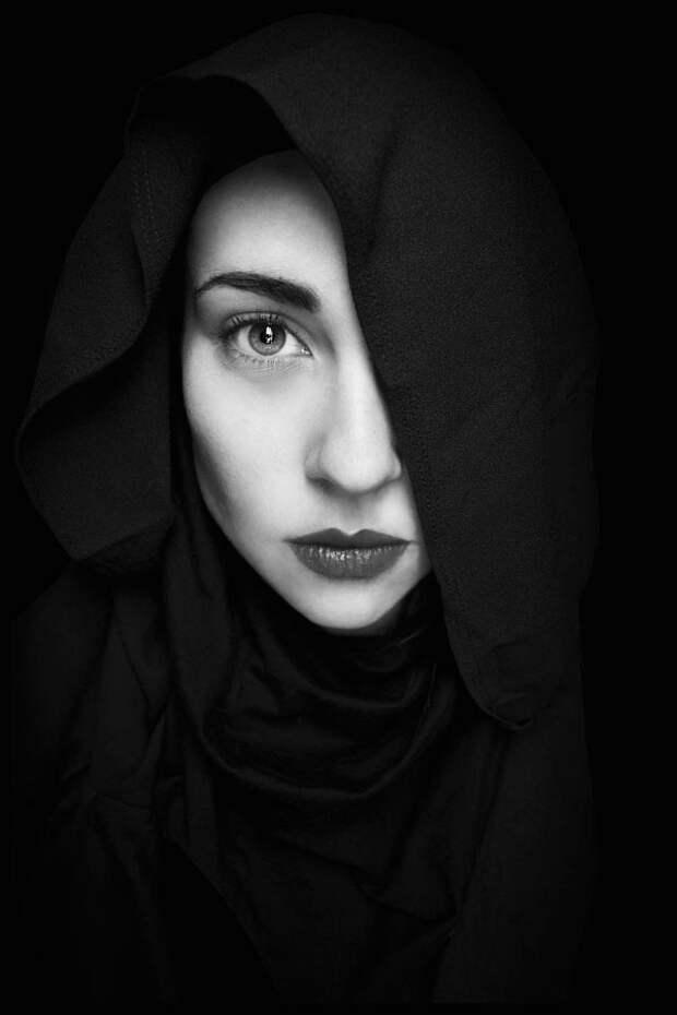 35 потрясающих черно-белых портретов