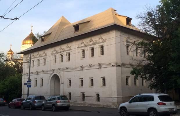 Белые палаты XVII века на Пречистенке, Москва