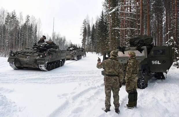 """Британские военные провели учения на """"лютом морозе"""" в Эстонии"""