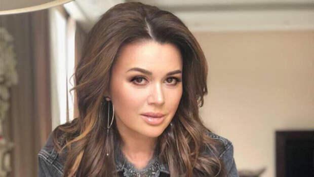 Актриса Анастасия Заворотнюк чуть не утонула в детстве