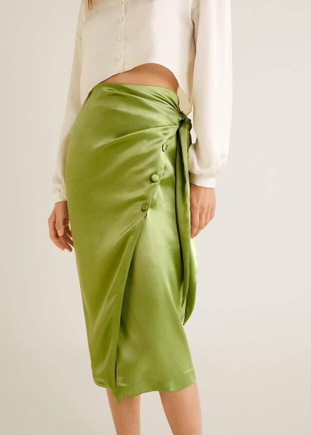 Без чего весна — не весна: атласная юбка (фото 13)