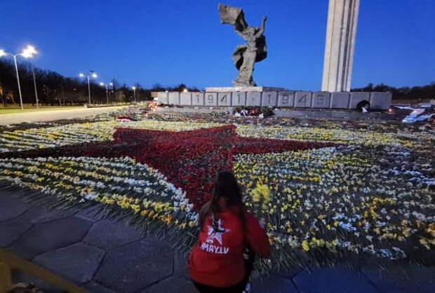 В ночь после Дня Победы в центре Риги появилась красная звезда