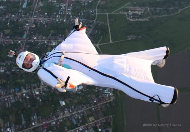 Елена Авдеева мечтает пролететь в вингсьюте над Эльбрусом / Фото: Dmitry Fisanov