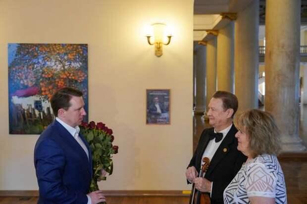 В Международный день семьи глава города Алексей Копайгородский поздравил сочинскую семью музыкантов с «золотой» свадьбой