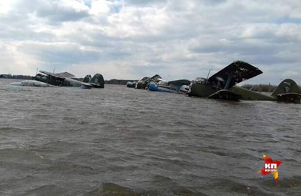 Оценить масштабы разрушений можно будет только после схода воды. ФОТО Виталий КОРОЛЕВ
