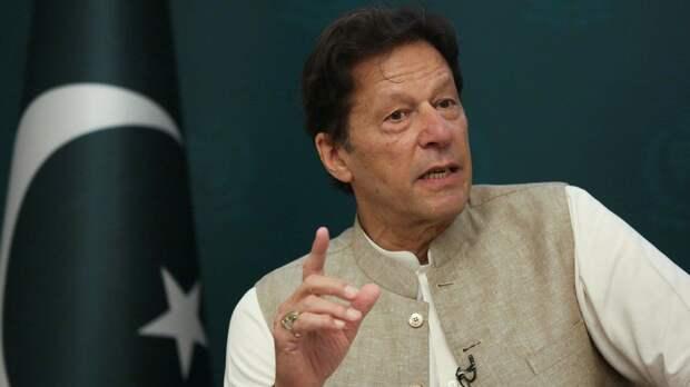 Премьер-министр Пакистана назвал разумным решение Байдена уйти из Афганистана