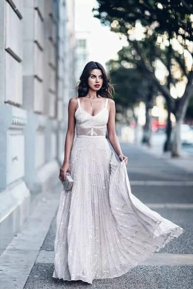 Для кого женщина одевается и красится?
