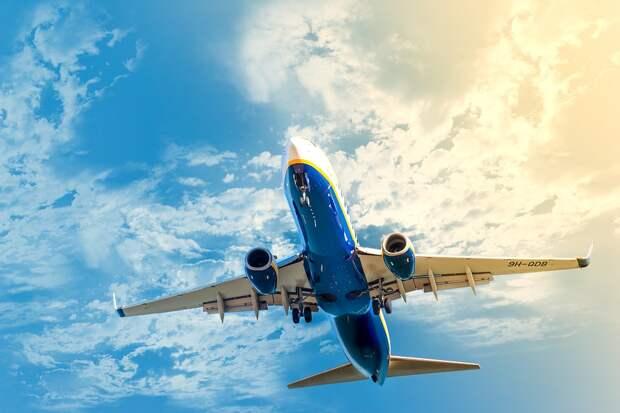 Вылетай – подешевело: аналитики сообщили о резком снижении тарифов на авиаперелеты в России