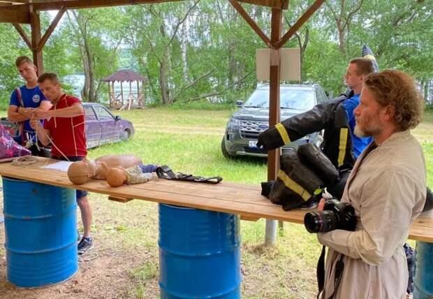 Московские спасатели научили студентов оказывать первую помощь