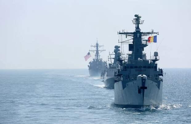 НАТО стягивает корабли и самолеты к западным рубежам России