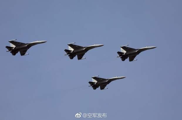 Первый видеорепортаж об истребителях Су-35 ВВС НОАК