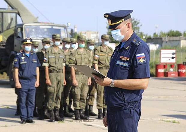В Энгельсском соединении дальней авиации прошли комплексные занятия по безопасности военной службы