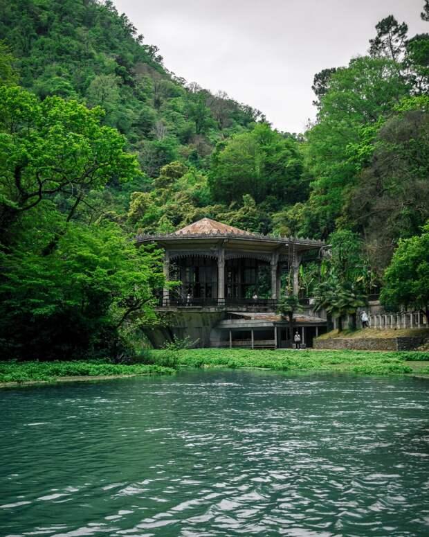 Власти Абхазии ввели новый закон, от которого туристы в восторге!