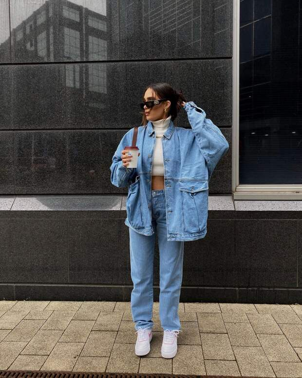 Модные джинсы осени 2021: шикарные новинки для создания интересных образов