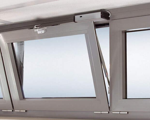 Как отрегулировать пластиковые окна при помощи фурнитуры?