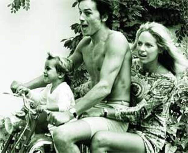 Ален Делон с женой Натали и сыном Антони