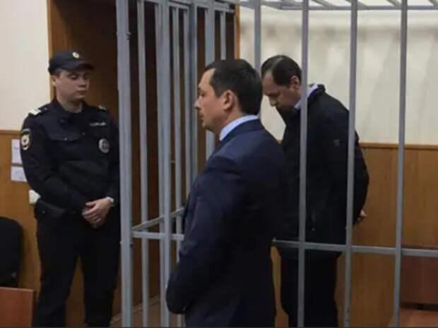 Cуд освободил из СИЗО обвиняемых в коррупции генералов МВД