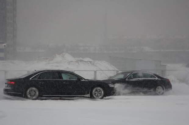 Mercedes-Benz S-класса против Audi A8: что могут короли