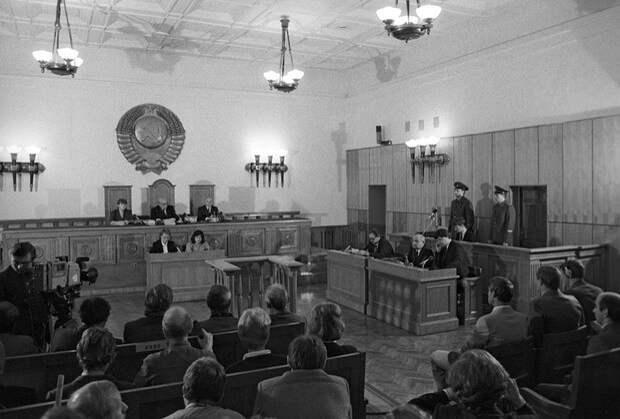 Из уголовно-исправительного Кодекса Российской Федерации. Принят Государственной думой 18 декабря 1996 года. 90-е, высшая мера наказания, криминал