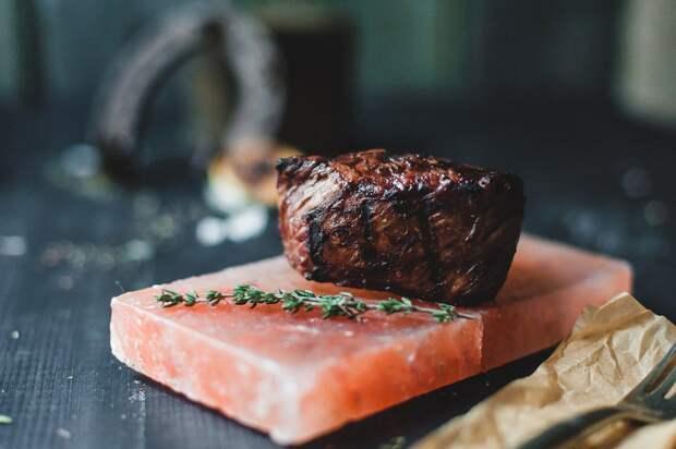 Рестораны Петербурга, где отлично готовят мясо