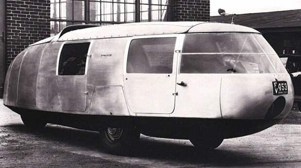 Первый образец трехколесного шестиметрового транспортного средства Dymaxion. 1933 год авто, автомобили, атодизайн, дизайн, интересный автомобили, олдтаймер, ретро авто, фургон