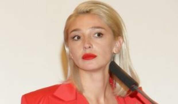 Лицом в асфальт: появилось видео задержания Ивлеевой с мужем