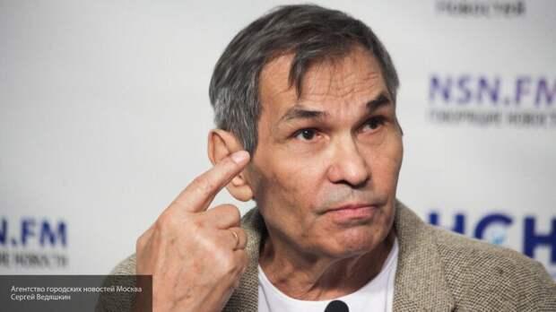 """Алибасов умолял съемочную группу освободить его из """"заточения"""" в доме сына"""