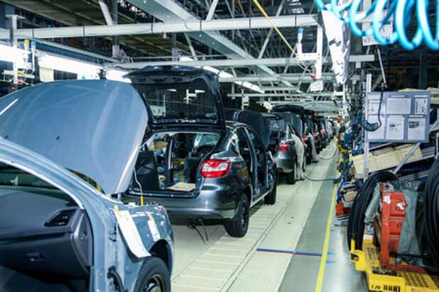 Производство легковых автомобилей в России выросло на четверть