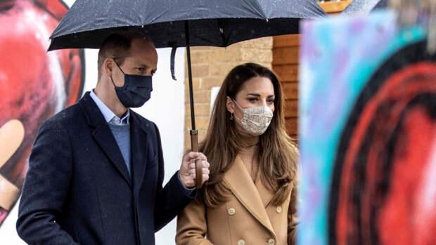 Жена принца Уильяма прошлась по магазинам с детьми после похорон