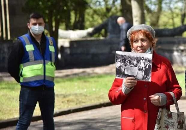 «Полицейских больше, чем посетителей» – во Львове уже почти никто не решается отмечать День Победы