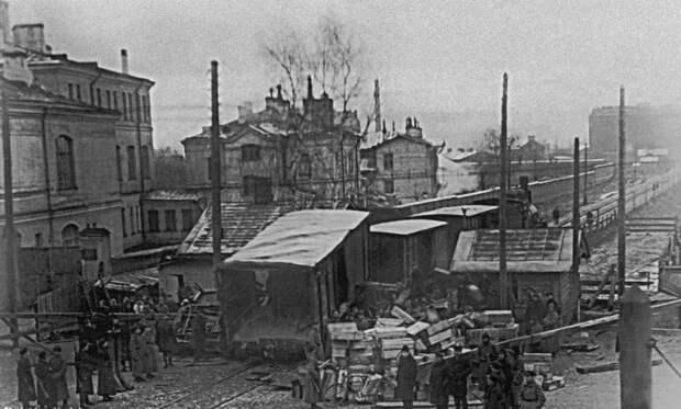 Поезд и трамвай столкнулись в Ленинграде. 1 декабря 1930. Эта трагедия до сих пор является крупнейшим ДТП с участием трамвая в Санкт-Петербурге. СССР, аварии 18+, трагедии