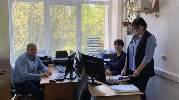Первый заместитель министра юстиции Республики Крым и начальник Департамента ЗАГС Крыма посетили Первомайский районный отдел ЗАГС