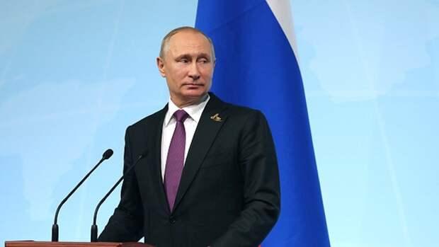Путин подписал новый закон: жизнь автомобилистов станет проще