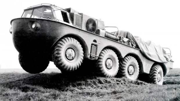 Амфибия ЗИЛ-135Б с двумя 110-сильными двигателями. 1959 год  история, ссср, факты