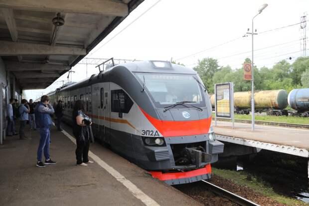 Поезда от «Трикотажной» отправятся летом в реверсивном режиме