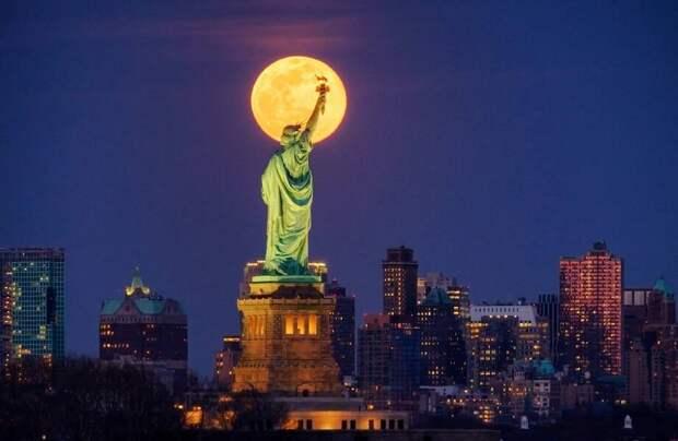 Билеты на лунный рейс: австралийский самолет поднимется в небо во время суперлуния
