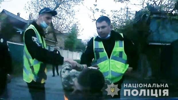 В Киевской области юноша пытался убить сожителя матери. Появилось видео