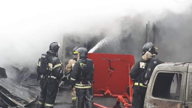 В пожаре на Нарвской никто не пострадал