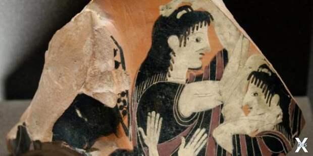 Плакальщица на осколке греческой кера...