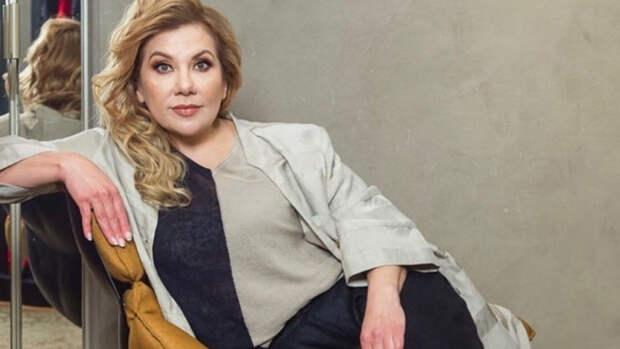 Звезда шоу Comedy Woman Марина Федункив передвигается на костылях