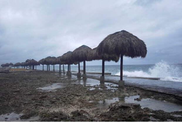 Американцев призвали готовиться к сильнейшему за полтора века урагану