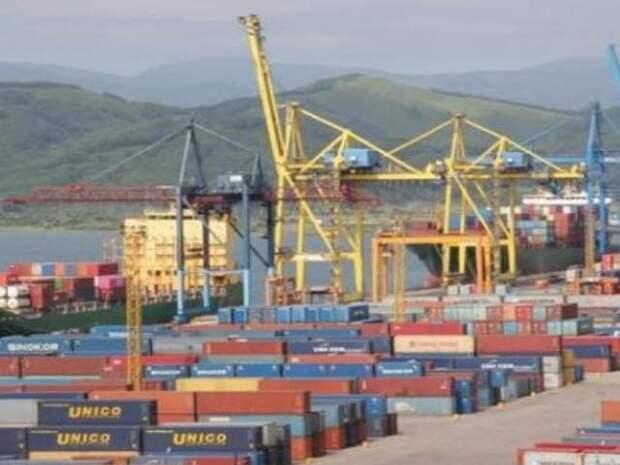 Maersk начал перевозить грузы через Россию в обход Суэцкого канала