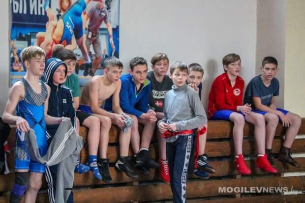 Спартакиада школьников по борьбе вольной проходит в Могилеве.