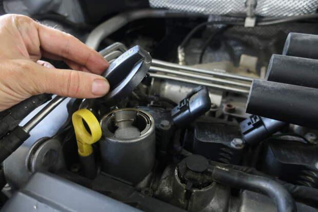 расход масла на многих современных авто считается нормой до 500 мл. на 1000 км.