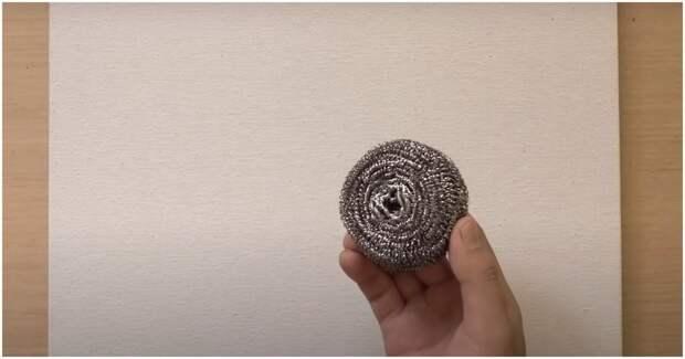 Создайте свой собственный шедевр с помощью металлической губки для мытья посуды