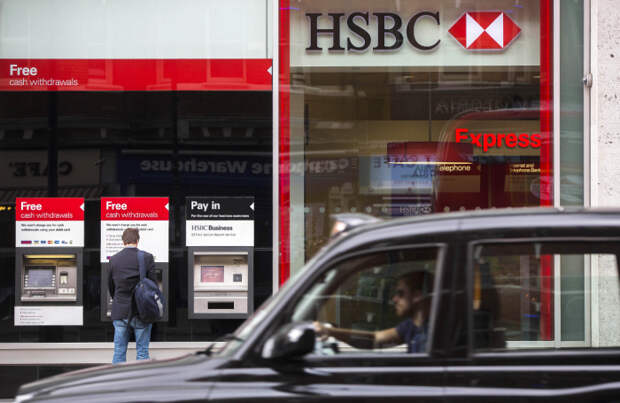Крупнейшие банки мира срочно ищут сотрудников младшего звена, чтобы избежать выгорания уже нанятых