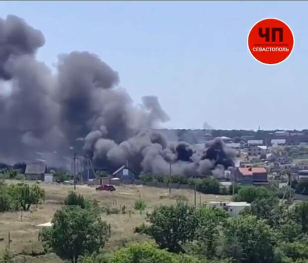 В Севастополе горел двухэтажный дом