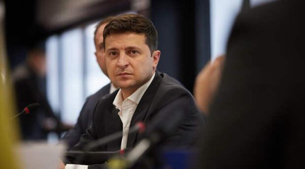 Владимир Зеленский попросил трех министров уйти в отставку. Один не согласился